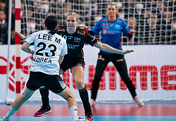 11-12-2019 JAP: Netherlands - Korea, Kumamoto<br /> Last match Main Round Group1 at 24th IHF Women's Handball World Championship, Netherlands win the last match against Korea with 36 - 24. / Danick Snelder #10 of Netherlands