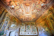 First Tribune Room ( Prima stanza tribune). The room was probably decorated by Cesare Nebbia in 1569, and the depictions depict the first legendary accounts of Tivoli. Villa d'Este, Tivoli, Italy. A UNESCO World Heritage Site. .<br /> <br /> Visit our ITALY PHOTO COLLECTION for more   photos of Italy to download or buy as prints https://funkystock.photoshelter.com/gallery-collection/2b-Pictures-Images-of-Italy-Photos-of-Italian-Historic-Landmark-Sites/C0000qxA2zGFjd_k<br /> If you prefer to buy from our ALAMY PHOTO LIBRARY  Collection visit : https://www.alamy.com/portfolio/paul-williams-funkystock/villa-este-tivoli.html