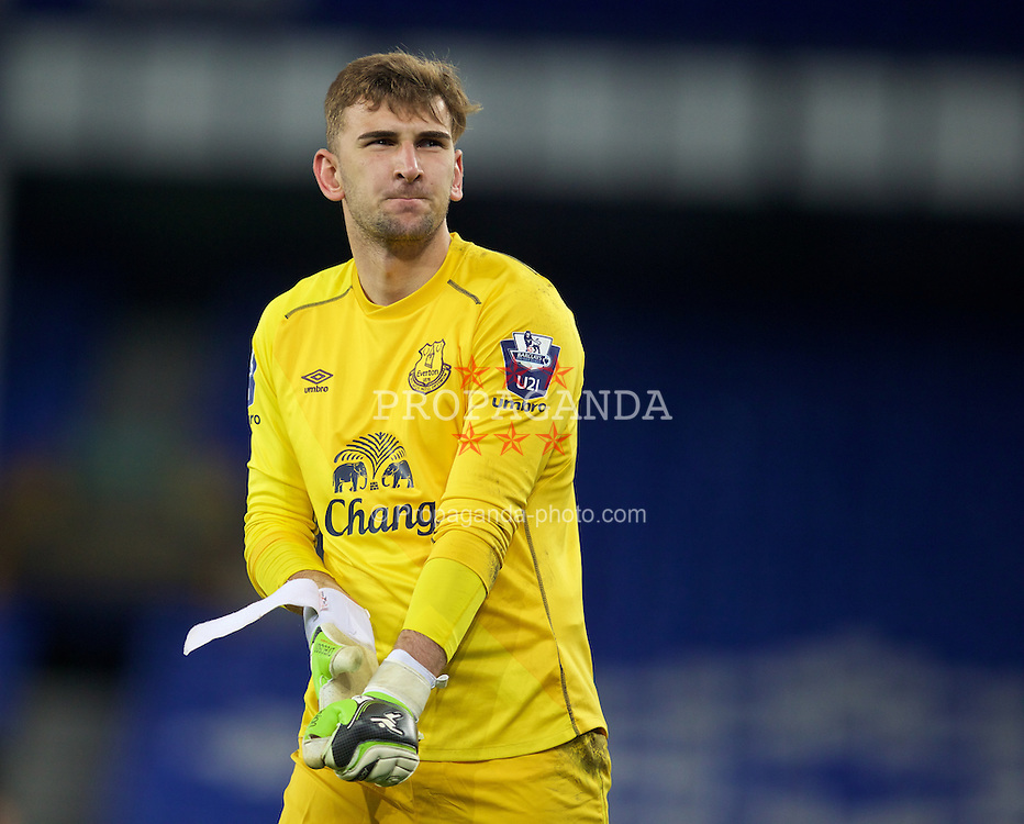 LIVERPOOL, ENGLAND - Thursday, April 30, 2015: Everton's goalkeeper Russell Griffiths looks dejected after his side's 3-1 defeat by Liverpool during the Under 21 FA Premier League match at Goodison Park. (Pic by David Rawcliffe/Propaganda)