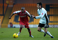 Photo: Glyn Thomas.<br />Port Vale v Southend United. Coca Cola League 1.<br />26/11/2005.<br />Southend's Jamal Campbell-Ryce (L) and Port Vale's Jeff Smith.