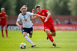 NEWPORT, WALES - Friday, September 3, 2021: Wales' Cian Ashford (R) and England's Sammy Braybrooke during an International Friendly Challenge match between Wales Under-18's and England Under-18's at Spytty Park. (Pic by David Rawcliffe/Propaganda)
