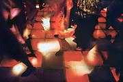 Nederland, Nijmegen, 15-8-1998Mensen dansen in een discotheek.Foto: Flip Franssen/Hollandse Hoogte