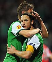 Fotball<br /> Tyskland<br /> Foto: Witters/Digitalsport<br /> NORWAY ONLY<br /> <br /> 01.10.2009<br /> <br /> 3:1 Jubel Bremen v.l. Markus Rosenberg, Torschuetze Torsten Frings nach Elfmeter<br /> <br /> Europa League SV Werder Bremen - Athletic Bilbao