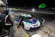 November 14, 2020. IMSA Weathertech Mobil1 Sebring 12h: #911 Porsche GT Team Porsche 911 RSR, GTLM: Nick Tandy, Fred Makowiecki, Earl Bamber pitstop