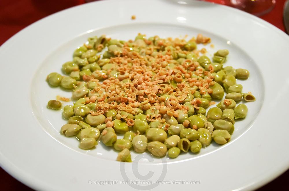 Green beans with foie gras shavings. at the restaurant Clos de l'Obac, Miserere. Clos de l'Obac, Costers del Siurana, Gratallops, Priorato, Catalonia, Spain.