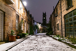 Edinburgh, Scotland, UK. 21 January 2020. Scenes taken between 4am and 5am in Edinburgh city centre after overnight snow fall. Pic; Circus Lane in the New Town. Iain Masterton/Alamy Live News