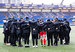 Saracens players huddle during the pre match warm up<br /> <br /> Photographer Simon King/Replay Images<br /> <br /> European Rugby Champions Cup Round 4 - Cardiff Blues v Saracens - Saturday 15th December 2018 - Cardiff Arms Park - Cardiff<br /> <br /> World Copyright © Replay Images . All rights reserved. info@replayimages.co.uk - http://replayimages.co.uk