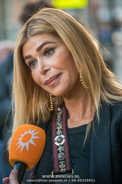 NLD/Amsterdam/20190401 - Opening Burgerroom Gordon, Estelle Gullit - Cruijff