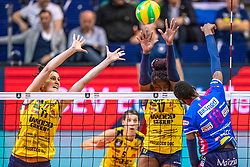 18-05-2019 GER: CEV CL Super Finals Igor Gorgonzola Novara - Imoco Volley Conegliano, Berlin<br /> Igor Gorgonzola Novara take women's title! Novara win 3-1 /  Anna Danesi #11 of Imoco Volley Conegliano, Mariam Fatime Sylla #17 of Imoco Volley Conegliano, Paola Ogechi Egonu #18 of Igor Gorgonzola Novara