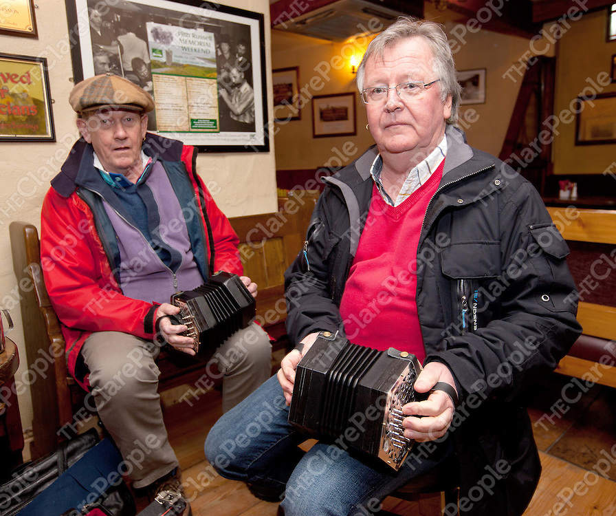 23/3/13 Attending the Trad Workshop in O Connors pub Doolin, were Brendon Dalley and Giert Magnusson. Pics Tony Grehan / press 22.