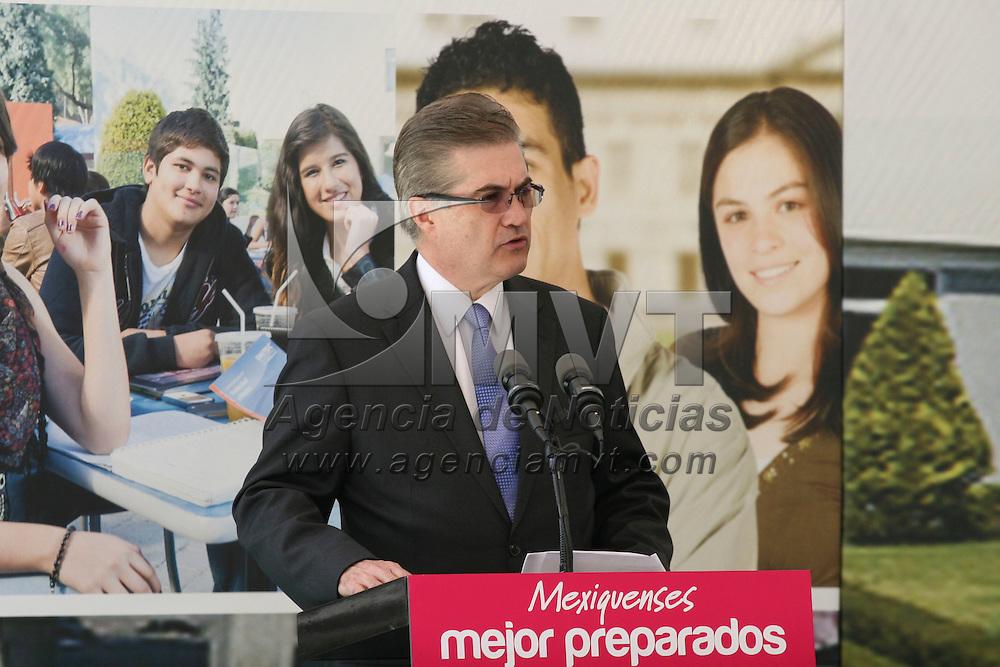 Toluca, México.- Manuel Campuzano Treviño Rector de UNITEC México durante la inauguración del Campus Toluca de esta casa de estudios.  Agencia MVT / José Hernández
