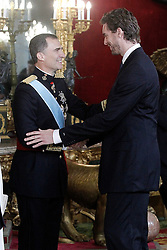 19.06.2014, Palacio Real, Madrid, ESP, Inthronisierung, König Felipe VI, Empfang im Palast, im Bild King Felipe VI of Spain with the spanish basketball player Pau Gasol // during the Enthronement ceremonies of King Felipe VI at the Palacio Real in Madrid, Spain on 2014/06/19. EXPA Pictures © 2014, PhotoCredit: EXPA/ Alterphotos/ Acero<br /> <br /> *****ATTENTION - OUT of ESP, SUI*****