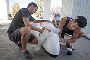 Het Australisch team poetst de Nitroglycerin op de vijfde racedag van de WHPSC. In de buurt van Battle Mountain, Nevada, strijden van 10 tot en met 15 september 2012 verschillende teams om het wereldrecord fietsen tijdens de World Human Powered Speed Challenge. Het huidige record is 133 km/h.<br /> <br /> The Australian team is working on their bikes on the fifth day of the WHPSC. Near Battle Mountain, Nevada, several teams are trying to set a new world record cycling at the World Human Powered Vehicle Speed Challenge from Sept. 10th till Sept. 15th. The current record is 133 km/h.