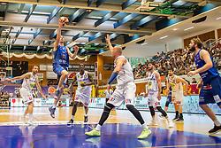 05.06.2019, Volksbank Arena, Gmunden, AUT, ABL, Swans Gmunden vs Kapfenberg Bulls, Finale, 3. Spiel, im Bild v.l.: Enis Murati (Swans Gmunden), Milan Stegnjaic (Kapfenberg Bulls), Torrion Brummitt (Swans Gmunden), Tilo Klette (Swans Gmunden), Darien Nelson Henry (Kapfenberg Bulls) // during the Admiral Basketball Bundesliga 3rd final match between Swans Gmunden and Kapfenberg Bulls at the Volksbank Arena in Gmunden, Austria on 2019/06/05. EXPA Pictures © 2019, PhotoCredit: EXPA/ Dominik Angerer