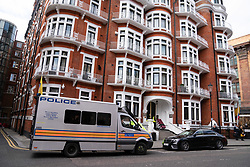 © Licensed to London News Pictures. 11/04/2019. London, UK. General view of police outside the Ecuador Embassy. This morning Wikileaks founder Julian Assange was arrested by police and taken to a central London police station after living in the Ecuador Embassy in London since 2012. Photo credit : Tom Nicholson/LNP