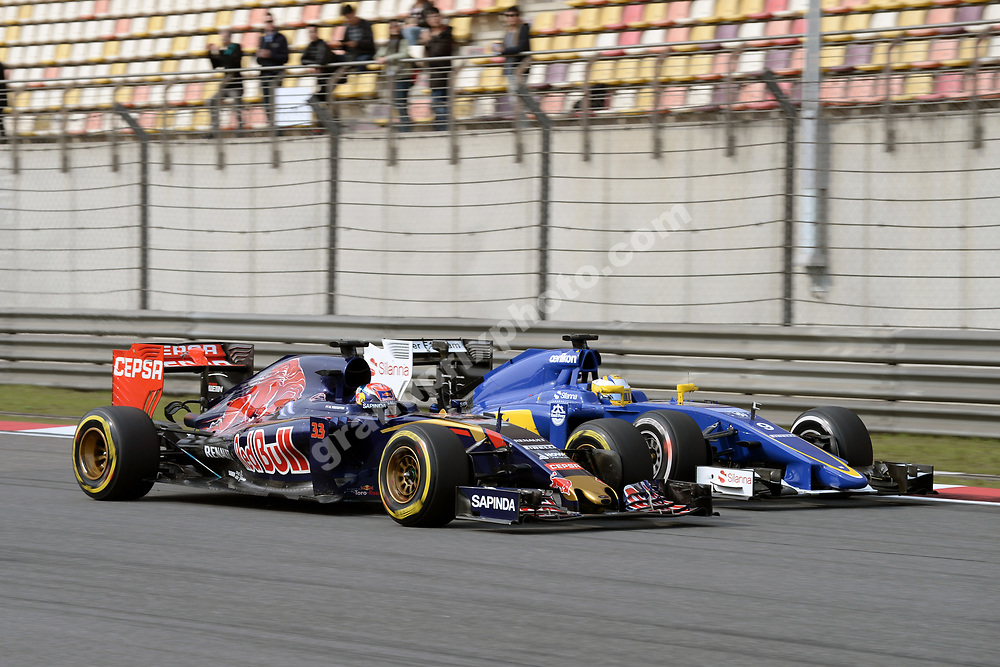 Max Verstappen (Toro Rosso-Renault) and Marcus Ericsson (Sauber-Ferrari) side by side during practice for the 2015 Chinese Grand Prix at the Shanghai International Circuit. Photo: Grand Prix Photo