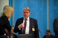 DEU, Deutschland, Germany, Berlin, 05.11.2018: BAMF-Präsident Dr. Hans-Eckhard Sommer vor Beginn einer Sitzung des Innenausschusses im Deutschen Bundestag.