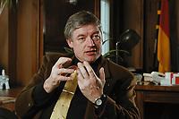 07 APR 2000, BERLIN/GERMANY:<br /> Prof. Dr. Andreas Troge, Präsident Umweltbundesamt, während einem Interview, in seinem Büro, Umweltbundesamt<br /> IMAGE: 20000407-01/01-05
