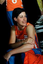 10-05-2008 VOLLEYBAL: DELA MEIDENDAG: APELDOORN<br /> Zo n 1500 meisjes woonden de teampresentatie van het Nederlands vrouwenvolleybalteam bij. De DELA meidendag werd weer een groot succes / Francien Huurman<br /> ©2008-WWW.FOTOHOOGENDOORN.NL