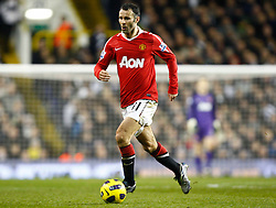 16.01.2011, White Hart Lane, Lundon, ENG, PL, Tottenham Hotspur vs Manchester United, im Bild Ryan Giggs of Manchester United.Tottenham Hotspur v Manchester United.at White Hart Lane, London 16/01/2011. EXPA Pictures © 2011, PhotoCredit: EXPA/ IPS/ Kieran Galvin +++++ ATTENTION - OUT OF ENGLAND/UK and FRANCE/FR +++++
