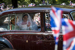 © Licensed to London News Pictures. 19/05/2018. Windsor, UK. Meghan Markle and her mother Doria Ragland travel to Windsor Castle along The Long Walk, before the marriage ceremony in St George's Chapel. Photo credit: Peter Macdiarmid/LNP