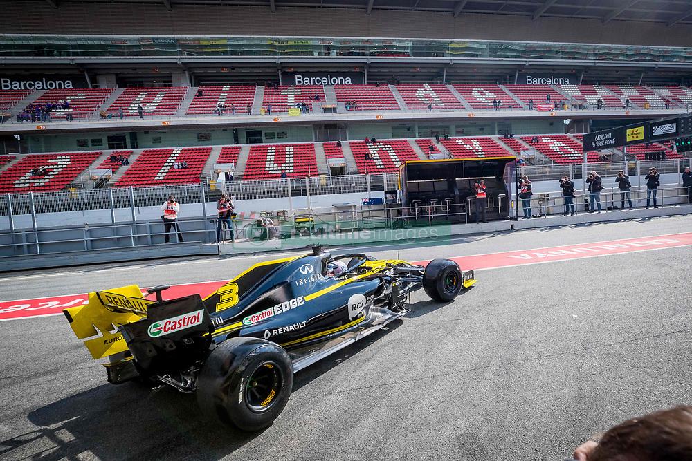February 19, 2019 - Barcelona, Spain - Daniel Ricciardo of Renault F1 Team during second journey of F1 Test Days in Montmelo circuit, on February 19, 2019. (Credit Image: © Javier MartíNez De La Puente/NurPhoto via ZUMA Press)