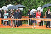 Koninginnedag 2010 . De Koninklijke familie in het zeeuwse Wemeldinge. / Queensday 2010. The Royal Family in Wemeldinge<br /> <br /> op de foto / on the photo :  DE KOninklijke familie