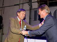 UTRECHT - NVG Congres 2017. Pieter Aalders, voormalig manager van de Kennemer Golf Club , ontving uit handen van NVG directeur Lodewijk Klootwijk (r), de NVG Award 2017. FOTO © Koen Suyk