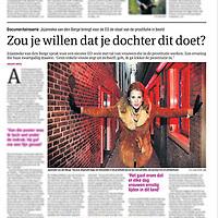 Tekst en beeld zijn auteursrechtelijk beschermd en het is dan ook verboden zonder toestemming van auteur, fotograaf en/of uitgever iets hiervan te publiceren <br /> <br /> Parool 4 januari 2015: Jojanneke van den Berge van de EO op de Wallen