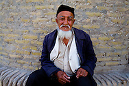 Tchai Khan , tea house , restaurant, on the road to Khiva  KHIVA  Ouzbekistan  .///.Tchai Khana salon de the restaurant sur la route de  KHIVA  Ouzbekistan .///.OUZB56320