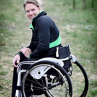 Nederland, Woerden , 23 februari 2011..Esther Vergeer (Woerden, 18 juli 1981) is een Nederlands rolstoeltennisster en voormalig rolstoelbasketbalster die anno 2011 sinds 1998 onafgebroken de eerste plaats op de wereldranglijst in het rolstoeltennis bezet. Ze is bovendien ongeslagen in het enkelspel sinds januari 2003. Vergeer is vijfvoudig Paralympisch kampioen op het onderdeel tennis, werd vijf maal verkozen tot gehandicapte sporter van het jaar en won de Laureus World Sports Awards in 2002 en 2008..Foto:Jean-Pierre Jans