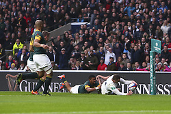 November 12, 2016 - London, England, United Kingdom - Jonny May of England scores a try to make the score 5-6 during Old Mutual Wealth Series between England  and South Africa played at Twickenham Stadium, London, November 12th  2016  (Credit Image: © Kieran Galvin/NurPhoto via ZUMA Press)