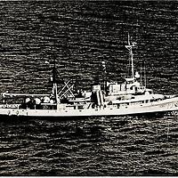 1950s photo of USS Kittiwake, ASR-13