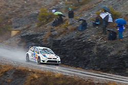 17.01.2014, Sisteron, FRA, FIA, WRC, Monte Carlo, 2. Tag, im Bild MIKKELSEN Andreas / MARKKULA Mikko ( VOLKSWAGEN MOTORSPORT II (DEU) / VOLKSWAGEN POLO R ) mit Zuschauer during day two of FIA Rallye Monte Carlo held near Monte Carlo, France on 2014/01/17. EXPA Pictures © 2014, PhotoCredit: EXPA/ Eibner-Pressefoto/ Neis<br /> <br /> *****ATTENTION - OUT of GER*****
