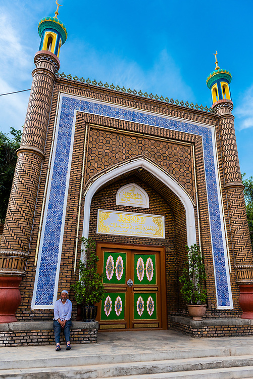 Altun Mosque, Yarkand, on the Southern Silk Road (it was an important caravan town), at the southern edge of the Taklamakan Desert. Xinjiang Province, China.