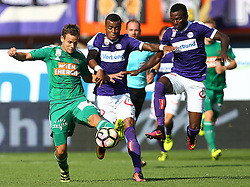 07.08.2016, Ernst Happel Stadion, Wien, AUT, 1. FBL, FK Austria Wien vs SK Rapid Wien, 3. Runde, im Bild Louis Schaub (SK Rapid Wien), Felipe Pires (FK Austria Wien) und Olarenwaju Kayode (FK Austria Wien) // during Austrian Football Bundesliga Match, 3rd Round, between FK Austria Vienna and SK Rapid Vienna at the Ernst Happel Stadion, Vienna, Austria on 2016/08/07. EXPA Pictures © 2016, PhotoCredit: EXPA/ Thomas Haumer