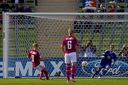 17.05.2012, Olympiastadion, Muenchen, GER, UEFA CL, Finale Damen, Olympic Lyon (FRA) vs FFC Frankurt (GER), im Bild Lyon's french midfielder Eugénie Le Sommer scores a penalty during the UEFA Champions League final for women played at the Olympia Stadion and contested by Olympic Lyon from France and FFC Frankurt from Germany, Germany on 2012/05/17 . EXPA Pictures © 2012, PhotoCredit: EXPA/ Mitchel Gunn