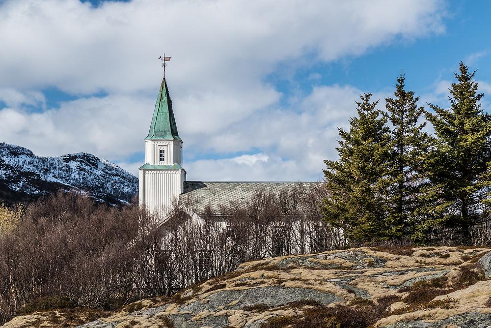 Vestbygd kirke ligger på Vågehamn i Lødingen kommune i Nordland. Kirka er ei langkirke i tre med 230 plasser. Den ble bygd i 1885 og restaurert i 1963. Arkitekt for kirka var Johannes Henrik Nissen.