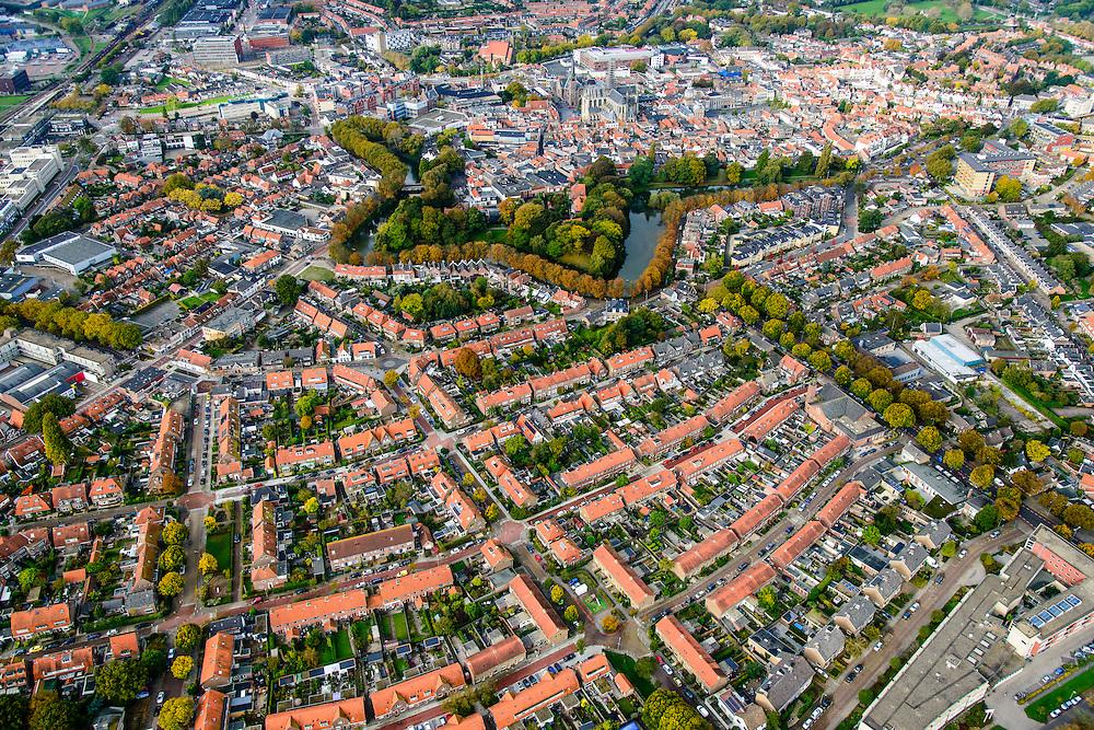 Nederland, Zeeland, Zuid-Beveland, 28-10-2014; Goes met Oostsingel, restant vestinggracht. Beschermd stadsgezicht, bomen in herftskleuren.<br /> Goes, located on the island ofZuid-Beveland, Zealand.<br /> luchtfoto (toeslag op standard tarieven); aerial photo (additional fee required); <br /> copyright foto/photo Siebe Swart