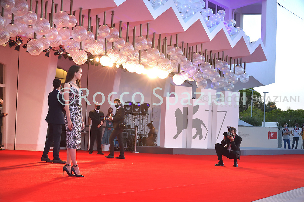 """VENICE, ITALY - SEPTEMBER 03: Stacy Martin walks the red carpet ahead of the movie """"Amants"""" at the 77th Venice Film Festival at on September 03, 2020 in Venice, Italy."""