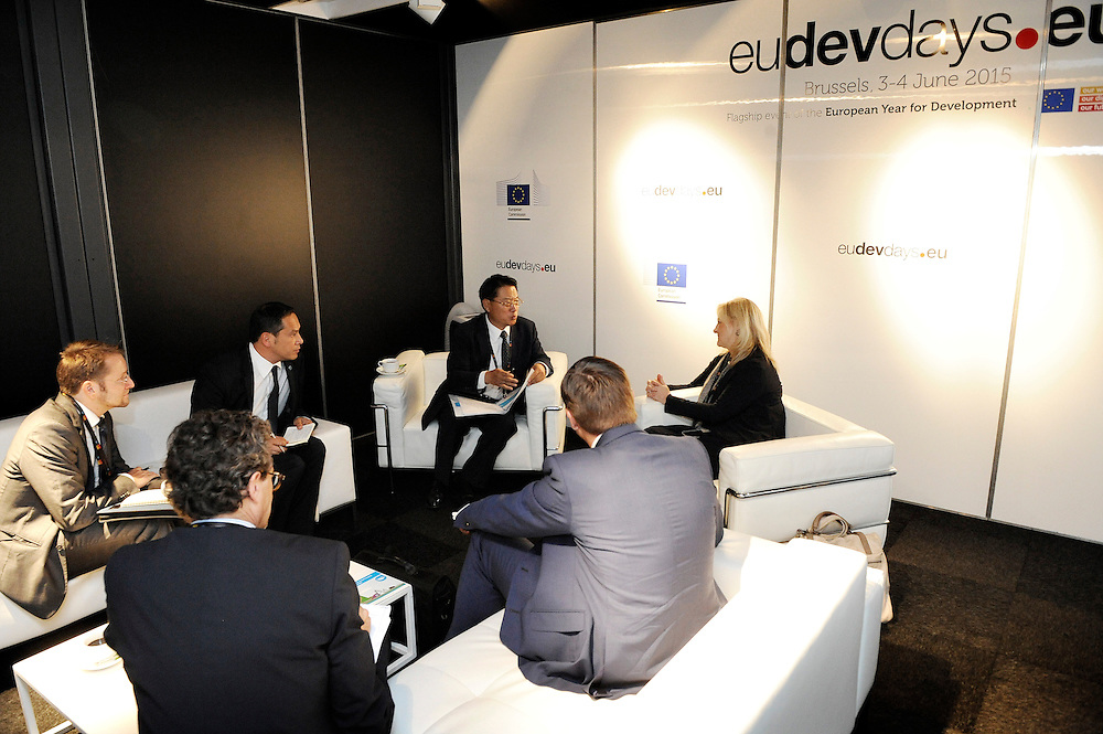 20150604- Brussels - Belgium - 04 June2015 - European Development Days - EDD  - <br /> Li Yong UNIDO and Heike Ruettgers EIB<br /> © EU/UE