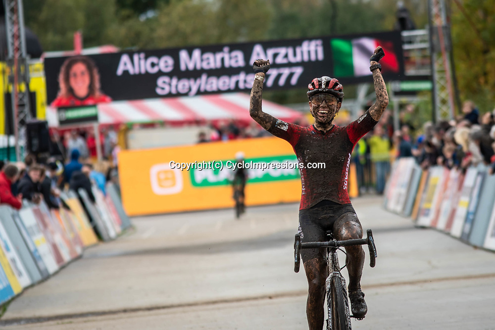 2019-10-19: Cycling: Superprestige: Boom: Alica Maria Arzuffi beeing happy with her first win of the season