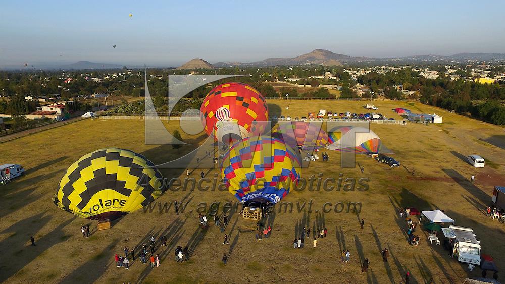 Teotihuacan, Méx.- Aspectos del Festival Aerostatico GloboFest en Teotihuacan. Agencia MVT / Mario Vazquez de la Torre.