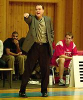 Basketball, BLNO Basketligaen 2000. Asker Aliens-Ulriken Eagels 15. november. Ulriken-trener David Swan.