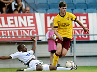 Fotball<br /> 21.07.2010<br /> Foto: Gepa/Digitalsport<br /> NORWAY ONLY<br /> <br /> SK Sturm Graz vs Arsenal FC<br /> <br /> Bild zeigt Håvard Nordtveit (Arsenal) und Pa Saiko Kujabi (Sturm)