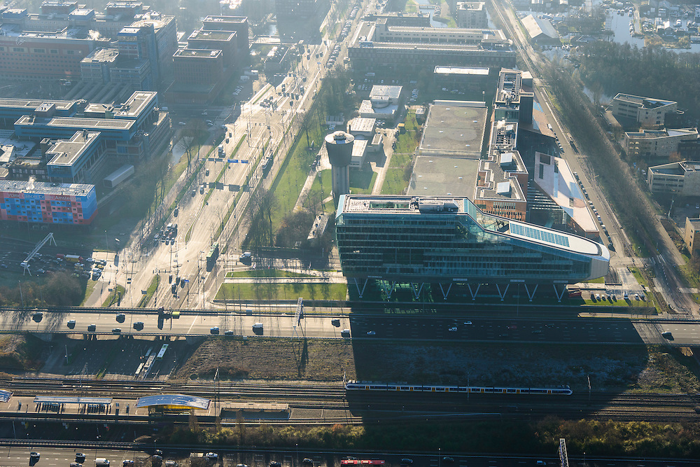 Nederland, Noord-Holland, Amsterdam, 11-12-2013; zicht op de Zuidas met ING_house. Links Amstelveenseweg en VUmc<br /> Zuid-as, 'South axis', financial center in the South of Amsterdam, with headquarters of ING. Amsterdam equivalent of 'the City', financial district. <br /> luchtfoto (toeslag op standaard tarieven);<br /> aerial photo (additional fee required);<br /> copyright foto/photo Siebe Swart.