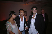 Zain Masud, Bruno Pires-Fontes and Zafar Rushdie. Party to celebrate the publication of Shalimar the Clown by Salman Rushdie. David Gill Gallery, 3 Loghborough St. London SE11 ONE TIME USE ONLY - DO NOT ARCHIVE  © Copyright Photograph by Dafydd Jones 66 Stockwell Park Rd. London SW9 0DA Tel 020 7733 0108 www.dafjones.com
