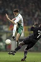 Fotball<br /> Champions League 2004/05<br /> Werder Bremen v Lyon<br /> 23. februar 2005<br /> Foto: Digitalsport<br /> NORWAY ONLY<br /> VALERIEN ISMAEL (WER) /  MAHAMADOU DIARRA (LYON)
