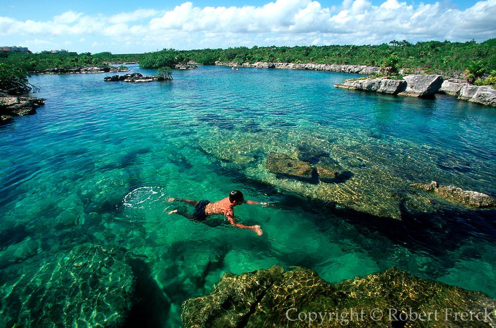 MEXICO, YUCATAN, TOURISM Yal-ku Cenote lagoon near Akumal