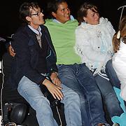 NLD/Amsterdam/20050806 - Gaypride 2005, optreden Vanessa, Marvin en vrienden